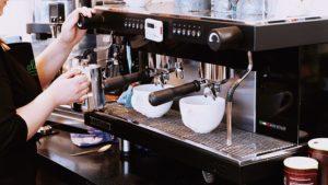 DeLonghi Magnifica im Café